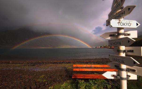 Фото обои пейзаж, скамейка, тучи, природа, радуга, указатель