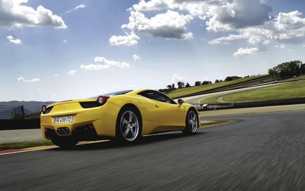 Фото обои небо, облака, Авто, Желтый, Машина, Феррари, Ferrari