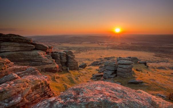 Фото обои поле, закат, камни