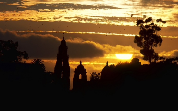 Фото обои солнце, облака, закат, птицы, здания, силуэты, часовня