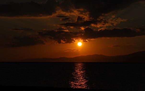 Фото обои солнце, облака, закат, горы, озеро