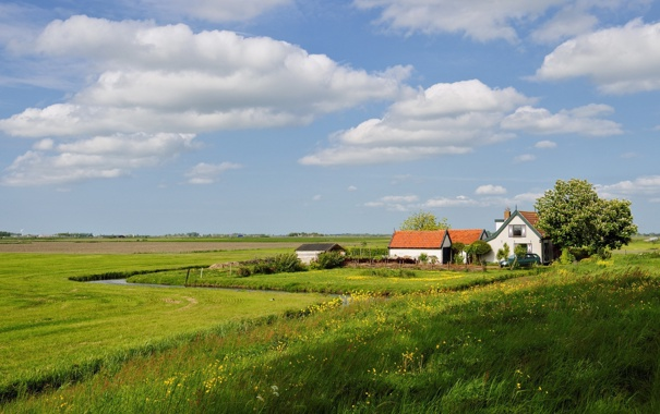 Фото обои машина, трава, облака, пейзаж, дом, луг
