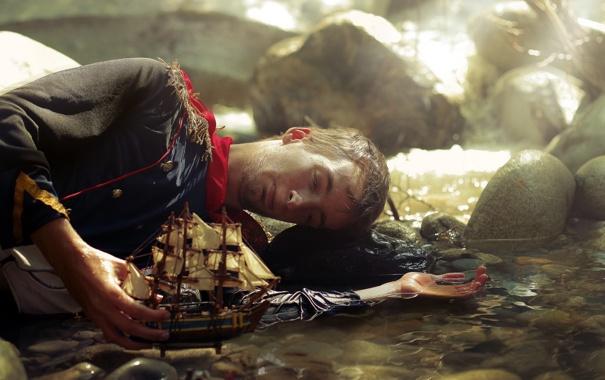 Фото обои ситуация, парень, кораблик