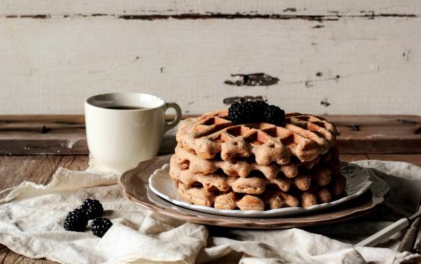 Фото обои ягоды, завтрак, чашка, напиток, вафли, ежевика