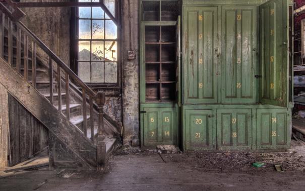 Фото обои окно, лестница, шкаф