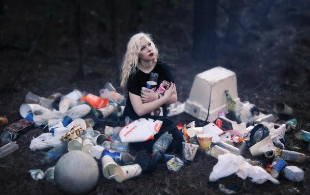 Фото обои девушка, фон, мусор