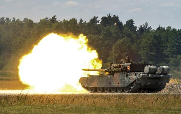 Фото обои огонь, танк, полигон, боевой, бронетехника