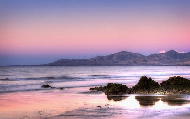 Фото обои песок, небо, вода, горы, природа, камни, океан
