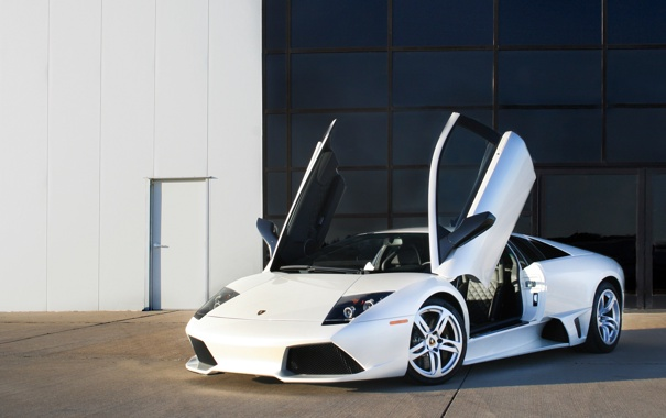 Фото обои lamborghini, murcielago, coupe, 2009, lp640, doors up, balloon white