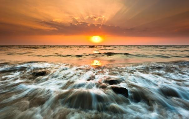 Фото обои море, солнце, закат, камни, прибой