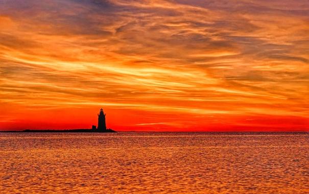 Фото обои море, небо, облака, закат, маяк, зарево