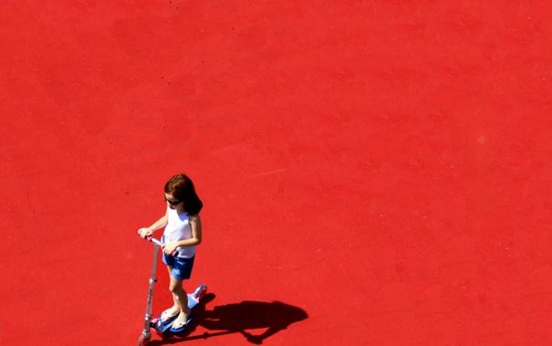 Фото обои фон, цвет, девочка, самокат