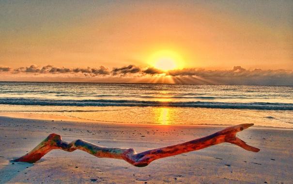 Фото обои закат, облака, небо, солнце, море, песок, берег