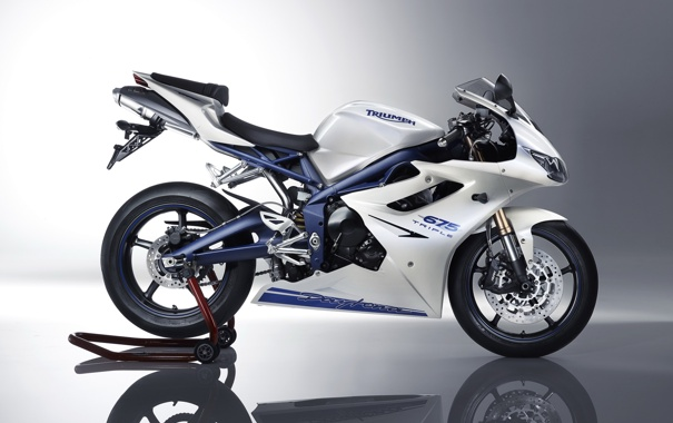 Фото обои мотоцикл, moto, Triumph, Daytona, триумф, 675, дайтона