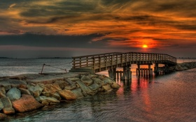 Обои море, закат, мост, природа