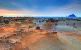 Картинка море, небо, закат, скала, камни, берег, остров