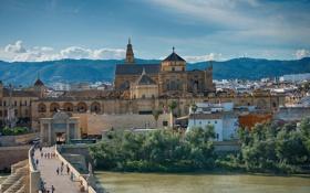 Обои небо, горы, мост, река, дома, церковь, Испания