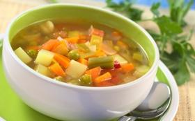 Обои зелень, горошек, морковка, тарелка, ложка, суп, овощи