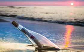 Обои море, пейзаж, закат, бутылка, записка