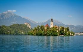 Картинка небо, горы, город, озеро, остров, башня, церковь