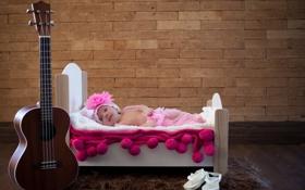 Обои гитара, кровать, младенец
