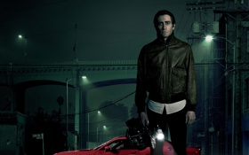 Обои Dodge, Red, Car, with, Jake Gyllenhaal, Camera, Nightcrawler