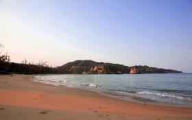 Обои песок, пляж, вода, холмы