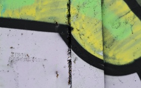 Картинка green, black, white, yellow, paint spray, metal, wall