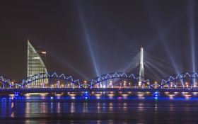 Картинка лучи, мост, река, Рига, вантовый мост