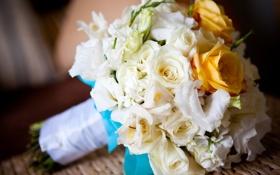 Картинка цветы, праздник, розы, букет, желтые, белые, бутоны