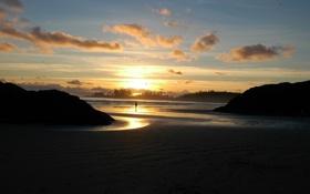 Обои песок, море, пляж, небо, солнце, пейзаж, закат