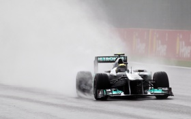 Обои дождь, спорт, красота, формула1, трек