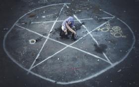 Картинка девушка, круг, ритуал
