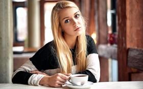 Обои взгляд, девушка, чашка, губки, прелесть, Madlen