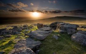 Картинка закат, камни, поле