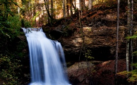 Картинка деревья, природа, обрыв, водопад, trees, waterfall, the nature