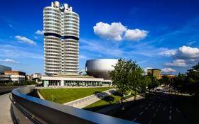 Картинка небо, улица, дома, Германия, Мюнхен, башня BMW
