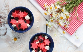 Обои цветы, стол, ромашки, арбуз, сыр, звездочки, салат