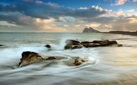 Обои море, волны, пляж, камни, гора