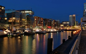 Картинка фонари, причал, ночь, канал, катера, огни, Гамбург