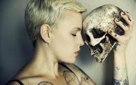 Обои девушка, настроение, череп