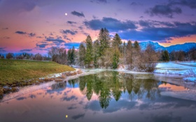 Картинка закат, облака, небо, озеро, луна, деревья, горы