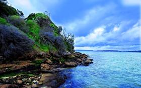 Обои берега, облака, река, трава, скалы, цвета, камни