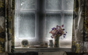 Картинка цветы, часы, окно