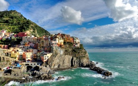 Картинка море, облака, пейзаж, скалы, дома, Италия, Манарола