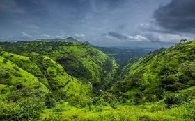 Обои гроза, трава, облака, горы, зеленый, река, каскад