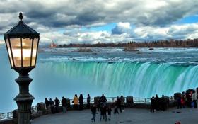 Обои облака, люди, фонарь, Ниагарский водопад, смотровая площадка, туристы