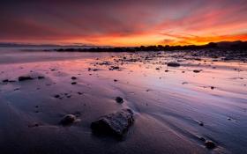 Картинка песок, море, закат, камни, берег, лужи