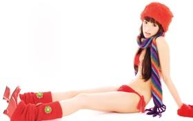 Обои азиатка, замерзла, шарфик и шапочка