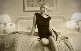 Картинка комната, кровать, актриса, сепия, блондинка, скарлетт йоханссон, scarlett johansson